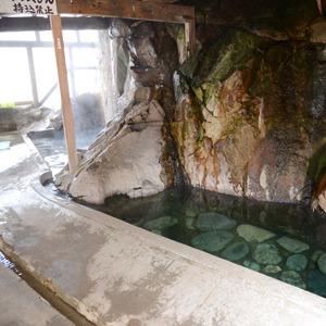 木賊温泉 岩風呂(福島県)