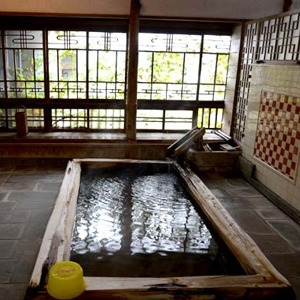 レトロさに魅せられる湯殿(静岡県)